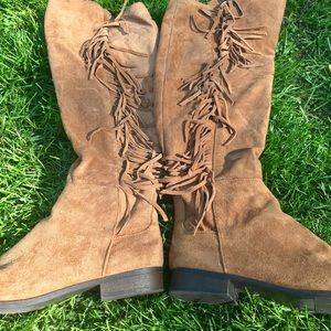 Mossimo tall suede boots with fringe